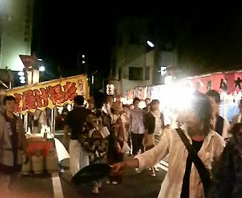 祇園祭の灯りと闇